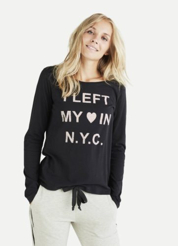Juvia - Shirt mit Liebesbotschaft